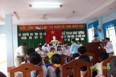 Lãnh đạo Kiến Nam Group thăm trường học và tặng quà tại làng cùi Huyện Đức Cơ, tỉnh Gia Lai